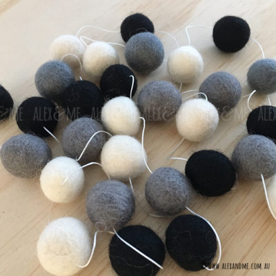 Felt-ball-Garland-Monochrome